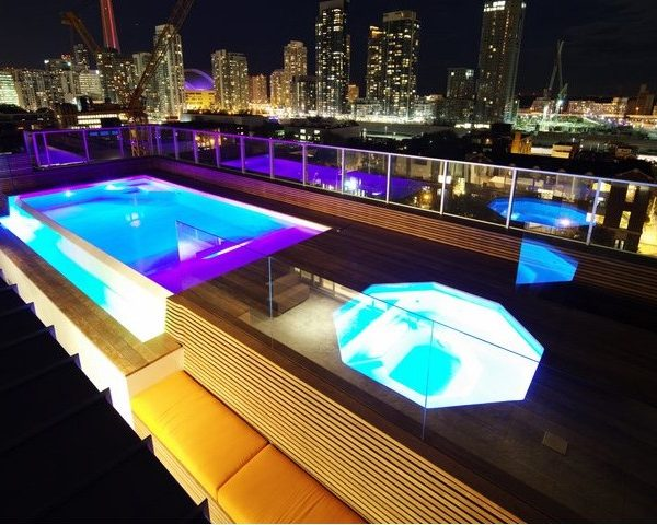 The Benefits of Owning a Fiberglass Hot Tub / Spa