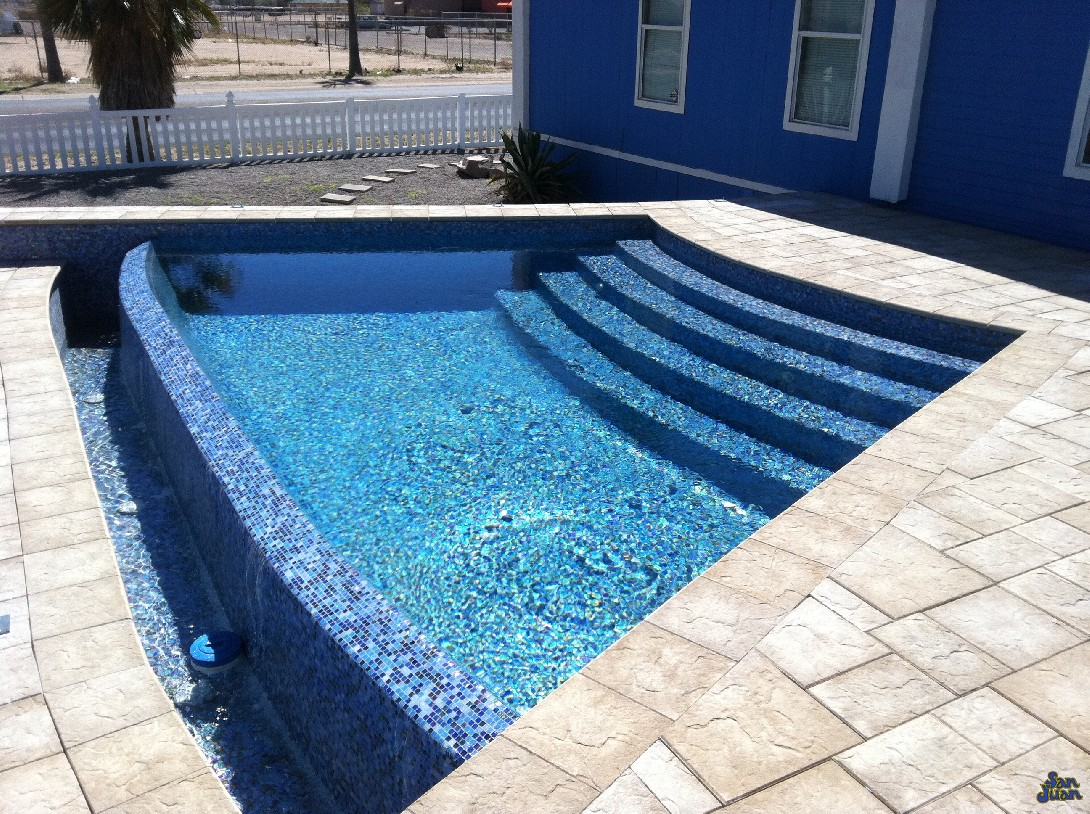 The Horizon is a one-of-a-kind swimming pool designed to cultivate amazing landscapes and scenic designs. With beautifully swept entrance steps and a elongated infinity edge design - this pool is meant to be both serene and soothing.