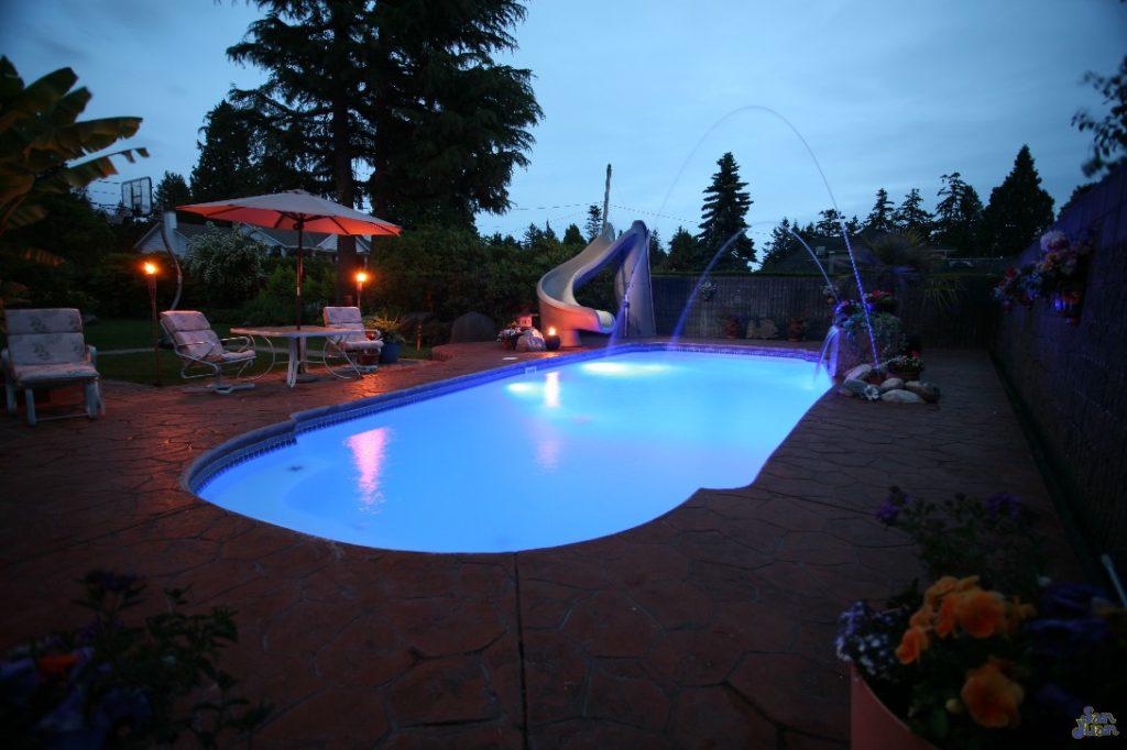 The Savannah Deep is a stunning fiberglass swimming pool designed to hold a large amount of swimmers! Your home is going to be the talk of the neighborhood and likely the place of many future birthday parties. You'll enjoy the roominess of the Savannah Deep as well as the diverse types of swimming it provides!
